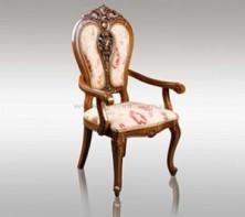 Деревянные стулья: красота и грациозность оформления