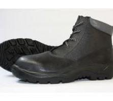 Охрана труда: рабочая обувь и одежда
