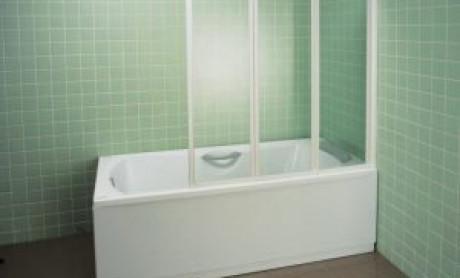 Шторки для ванной – стеклянные или пластиковые?